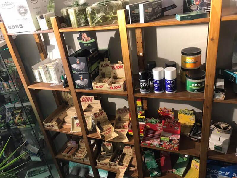 negozio-articoli-fumatori-canapa